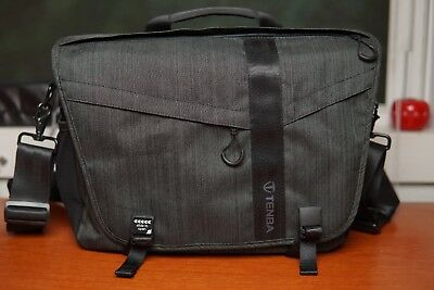 Tenba DNA 13 Messenger Bag  –  graphite  |  *MINT CONDITION*
