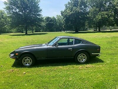 1971 Datsun Z-Series  1971 Datsun 240Z Great condition inside out , tons of service records NO RUST ,