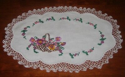 Vintage Heavily Hand Embroidered Table Centre Piece/doily ~ Lace Edge ~ Linen