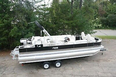 24 ft pontoon boat tritoon with high performance tubes with 250 and trailer