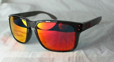OAKLEY OO 9244-04 HOLBROOK Grey Smoke - Ruby Iridium NEU