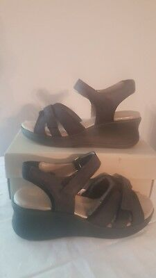 New Easy Spirit Anti Gravity Black Sandals Size 8 W -Nib