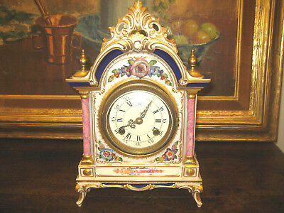 Nice Clock Dresden Porzellan Uhr Porcelain. Perfect condition. Louis XV style