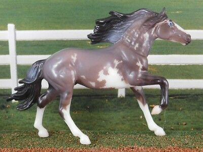Breyer Horse Stablemate Collector's Club #712219 Mirado Grey Sabino SR