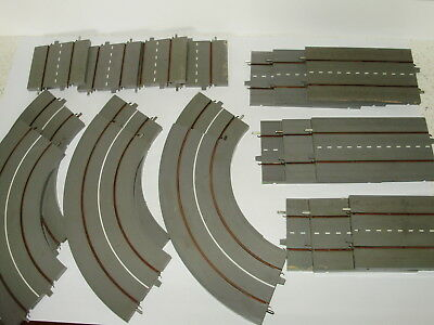 Lot 1.Triang Minic Motorways roadway sections x 19p. Good useable condition. OO