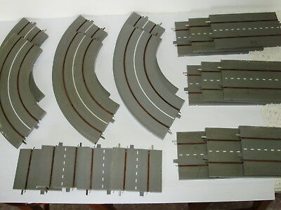Lot 2.Triang Minic Motorways roadway sections x 19p. Good useable condition. OO