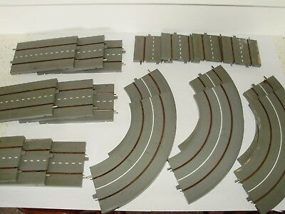 Lot 3.Triang Minic Motorways roadway sections x 19p. Good useable condition. OO