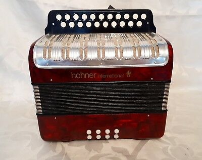 Hohner knopfakkordeon  International