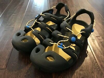 Girl's Or Boy's Keen Mion Sandals Size 5 Black Yellow EUC