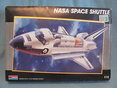 1/72 NASA Space Shuttle Monogram #5904 1987 Started Incomplete