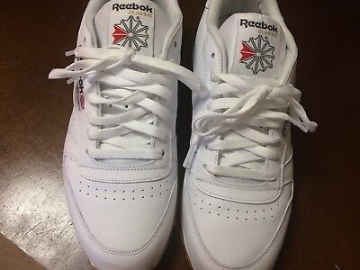 215be5aee2b38 REEBOK CLASSIC LEATHER White Gum Bottom MENS CLASSIC RUNNING SHOES Size 9