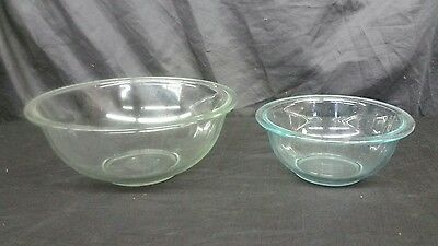Set of Two (2) Pyrex 322 1QT & 325 2.5QT Clear Glass Rimmed Mixing Bowls