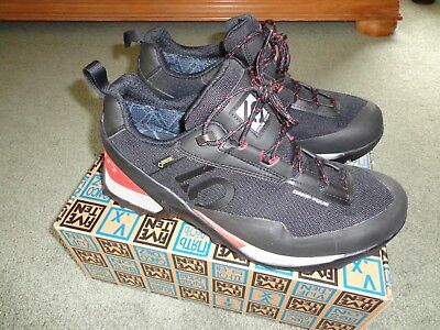 b17d4db869 FIVE TEN MEN S Camp Four GTX Hiking Low Shoes-Gore-tex US 10-EU 43-fits  9.5-10 -  68.99