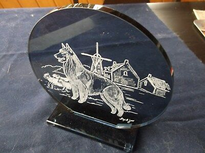 Belgian Tervuren. Beautifully Hand Engraved Glass Sculpture by Ingrid Jonsson
