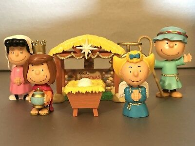 Peanuts Christmas Nativity Figures Deluxe Set 6 Piece Used Only Missing Snoopy!!