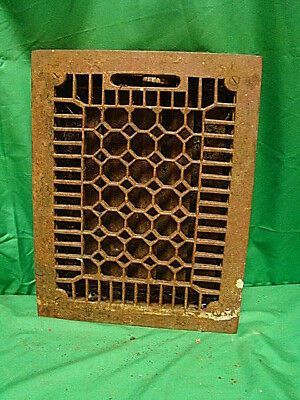 ANTIQUE LATE 1800'S CAST IRON HEATING GRATE HONEYCOMB DESIGN 13.75 X 10.75 gj