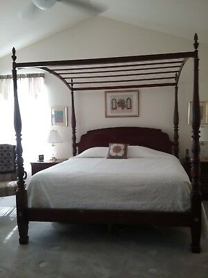 Ethan Allen King Size Canopy Bed and 2 nite stands