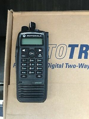 Motorola XPR 6550 UHF MOTOTRBO Handheld Radio Package A+ Condition!With Spkr Mic