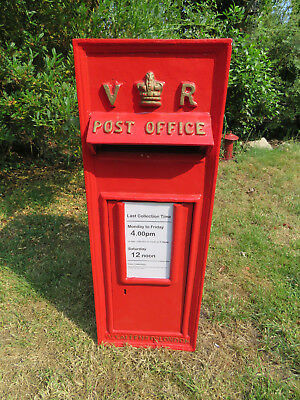 Royal Mail VR (Victorian) Red Postbox Letter Box -Cast Iron - Lockable with Keys