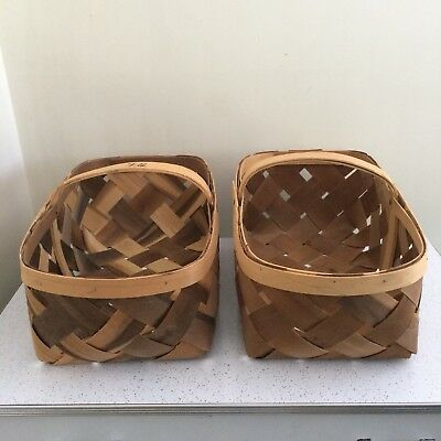 Lot Of 2 Large Vintage Woven Wood Slat Farmers Market Farm Stand Baskets