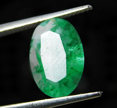 Natural 3.90 Cts. Certified Oval Cut Colombian Loose Emerald Gemstone. 523 R
