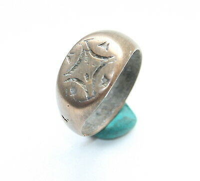 Ancient Bronze Finger Pseudo-Heraldry Seal Ring (MCR20)