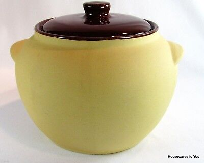 Watt Pottery Matte Finish Bean Pot & Lid #76 Joan of Arc Bisque