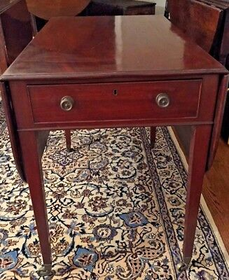 Antique 19th Century George III Pembroke Table - c. 1800 - Shipping Available