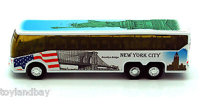 NYC New York City Tour Coach Bus Statue of Liberty USS Intrepid 1:64 Scale New