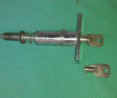 Lance And Other  Vendors  T Handle Lock Insert With 2 Keys