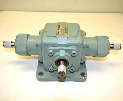 Tsubaki Emerson Miter ED4M-11-R-Y Gearbox Speed Reducer 3-Shaft Right-Angle 1:1