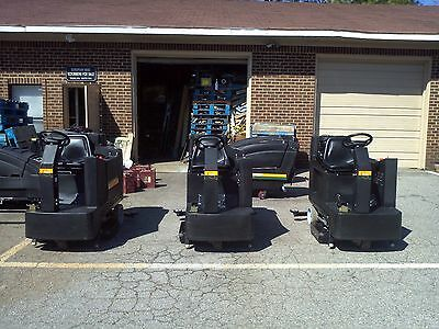 """RECONDITIONED NSS CHAMP 3329 ride-on automatic scrubber 33"""""""