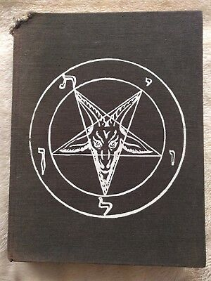 A pictorial history of magic and the supernatural by Maurice Bessy occult