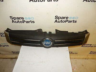 Fiat Panda (2004-2011) Front Grill Grille With Blue Badge Emblem (Silver 647)