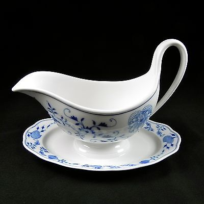 Meissen Crossed Swords Gravy Boat & Attached Underplate Blue Onion