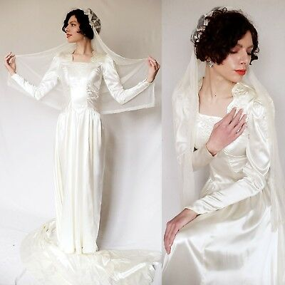 Vintage 1940s Long Sleeved Ivory Satin Wedding Dress Beaded Kokoshnik Headpiece