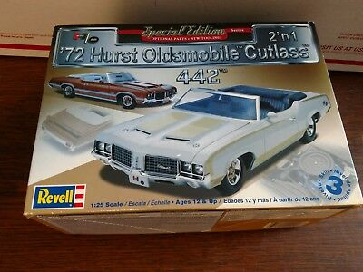 1972 Olds 442 Cutlass Hurst Convertible 2n1 Special Edition 1-25 Revell