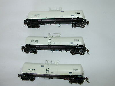 Tanker cars x 3. Unknown brand. HO scale. Excellent condition.Metal tanks.No box