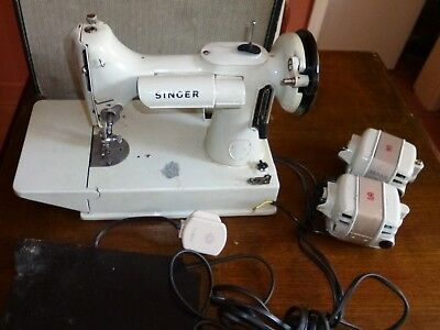 White Singer 221K  Featherweight Electric Sewing Machine  Spare Or Repair