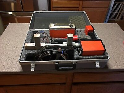 Metrotech 810 underground utility locater full set & case.
