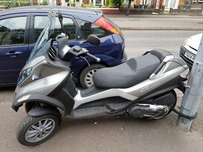 Piaggio Mp3 400Lt Low Mileage With New Mot. Can Be Ridden On Full Car Licence