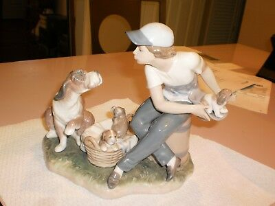 "Retired Lladro ""This One's Mine"" #5376"
