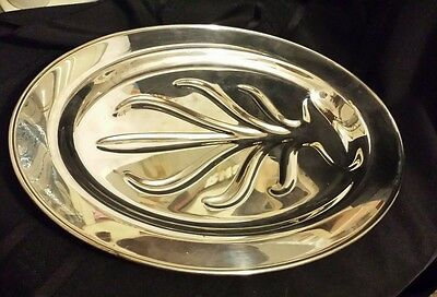PAUL REVERE REPRODUCTION WM Rogers Oneida LTD Silver Plated Footed meat platter