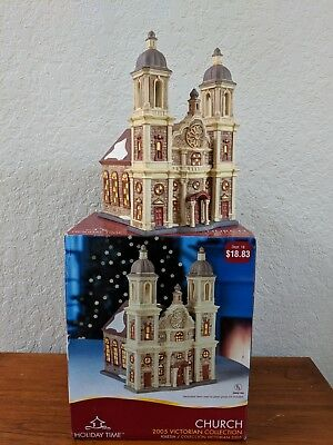 Holiday Time 2005 Victorian Church Collectible Porcelain Lighted House VILLAGE