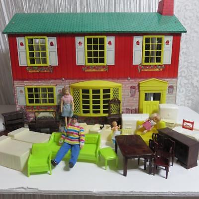 Vintage Tin Litho 2 Story Town & Country Wolverine Doll House & Furniture,People