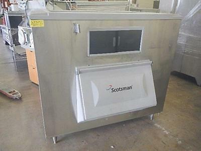 Scotsman Commercial Ice Storage Bin, 1400 lb Capacity, BH1300BB, GOOD CONDITION