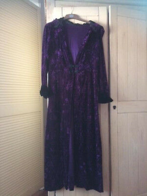 Goth/Renaissance Hooded Cape; Purple, Crushed Velvet, Immaculate size 10 - 14