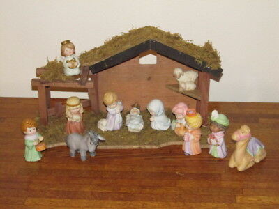 Avon Heavenly Blessings Nativity 12 Porcelain Figurines 1986-8  Wood Stable NICE