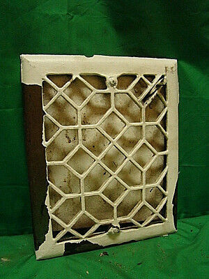 ANTIQUE 1800's CAST IRON HEATING GRATE UNIQUE DESIGN 11.25 X 9.25