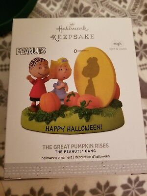 2017 Hallmark The Great Pumpkin Rises Peanuts Halloween Ornament
